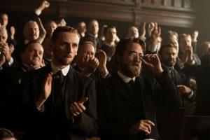 Immer an Fawcetts Seite: seine Gefährten Arthur Manley (Edward Ashley) und Henry Costin (Robert Pattinson)